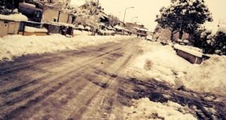 雪中的街道圖片